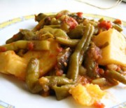 Green beans in tomato sauce demonstration