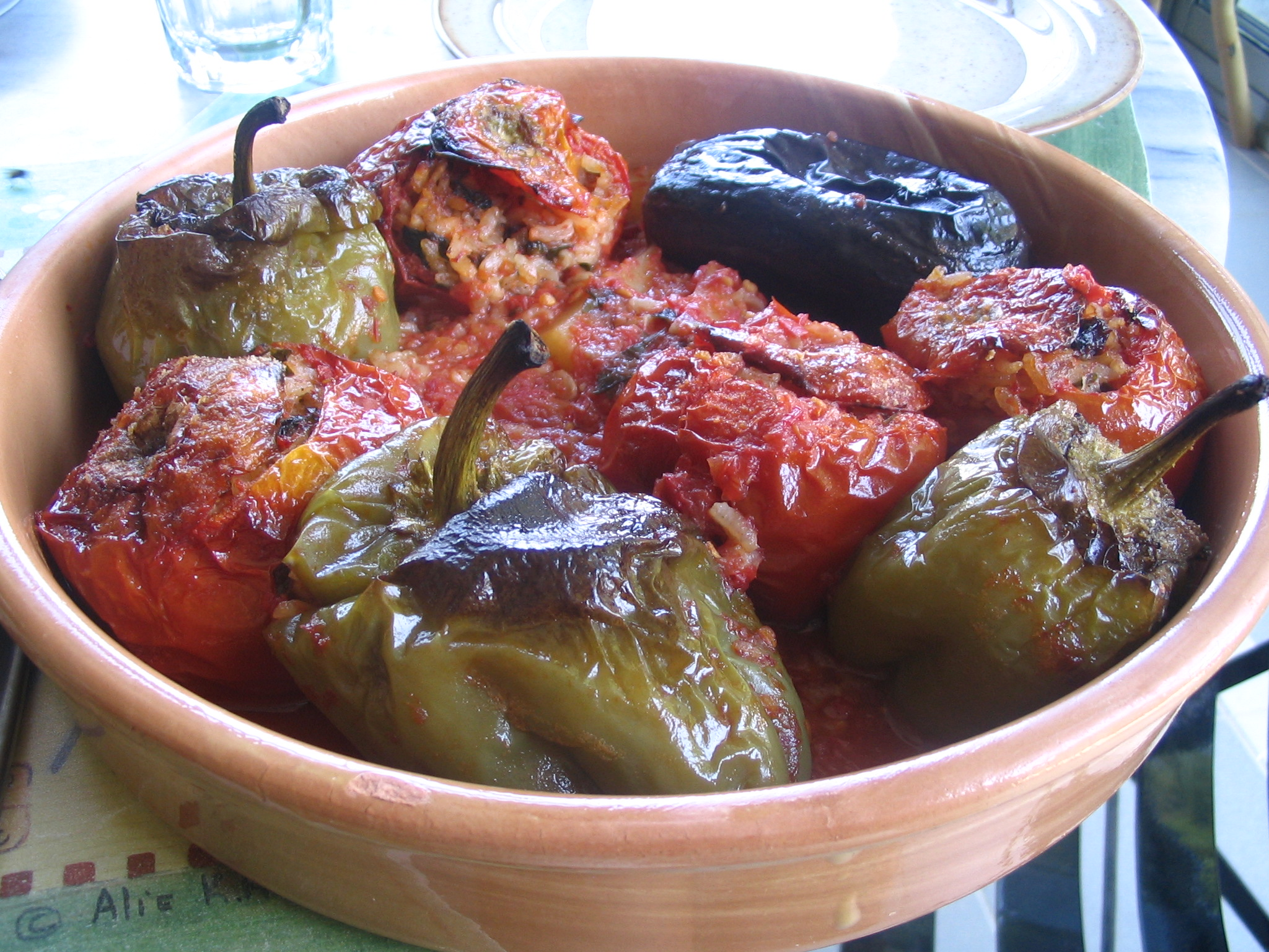 Welcome greek recipes greek food greek recipe stuffed tomatoes and peppersstuffed tomatoes with octapus forumfinder Gallery
